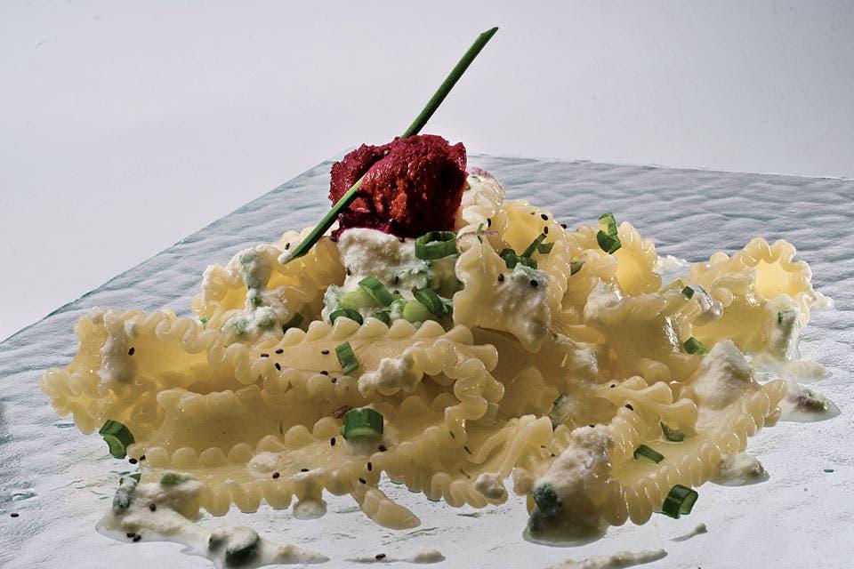 Receta de papardelle con pesto de remolachas la nacion for Cocinar remolacha