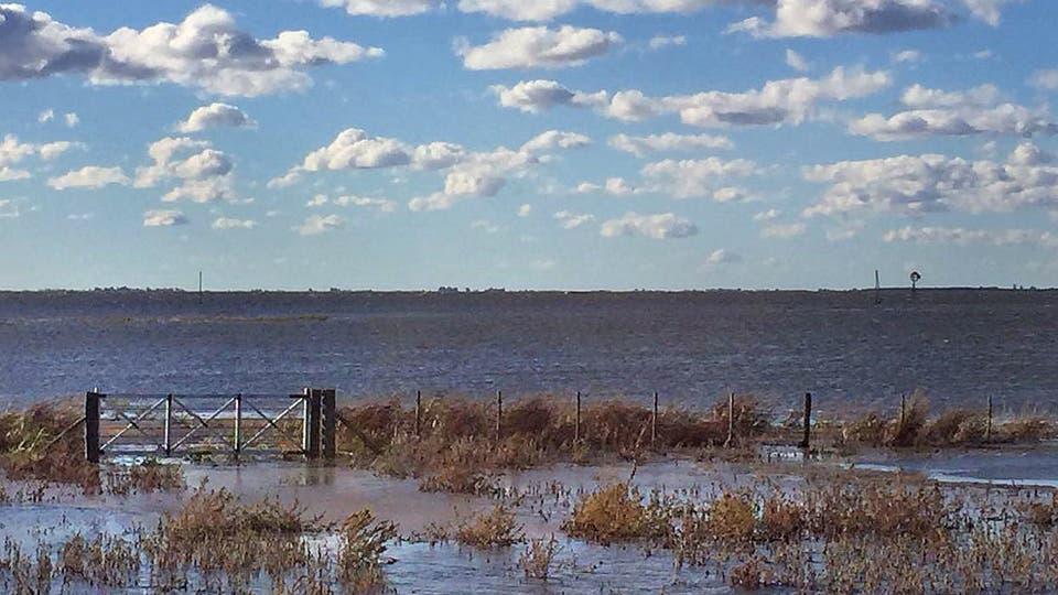 Resultado de imagen para Vidal prevé tener listas para el próximo año 50 obras por inundaciones