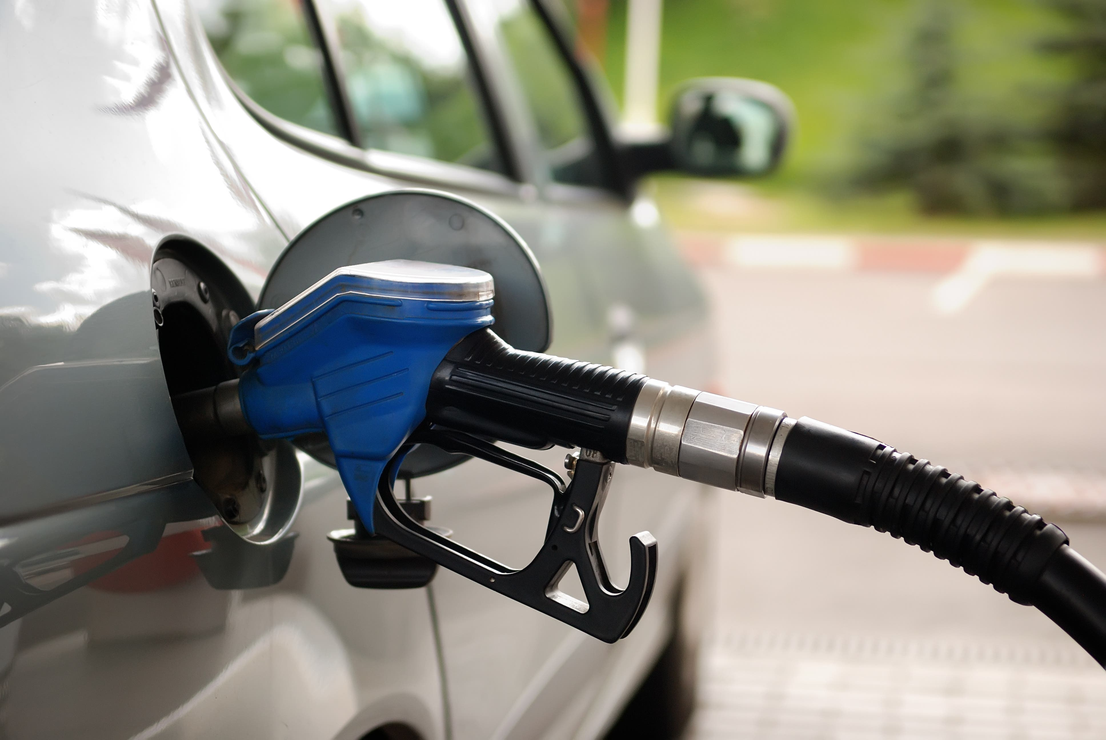 Discusión entre las petroleras y el Gobierno por el aumento de las naftas | La Nacion