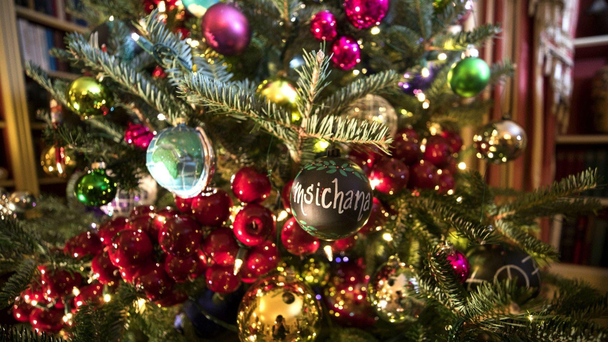 Felices fiestas: 10 frases de Navidad para compartir y celebrar