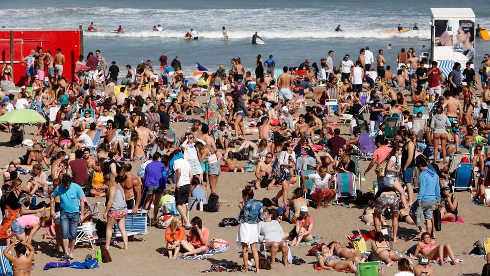 El Gobierno insiste con eliminar los feriados puente