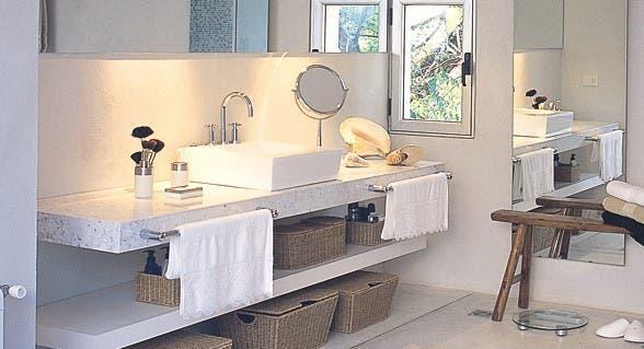 Baño Microcemento Alisado:Cómo cuidar superficies revestidas con cemento – Común – ESPACIO