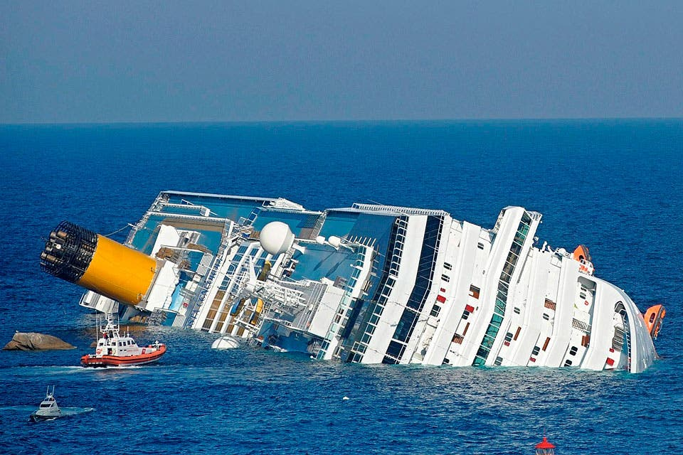 Booze crucero crucero desnudo