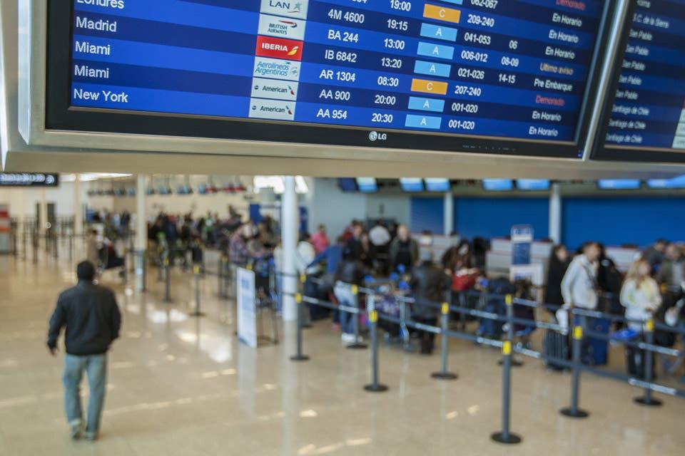 Resultado de imagen para ezeiza vuelos cancelados