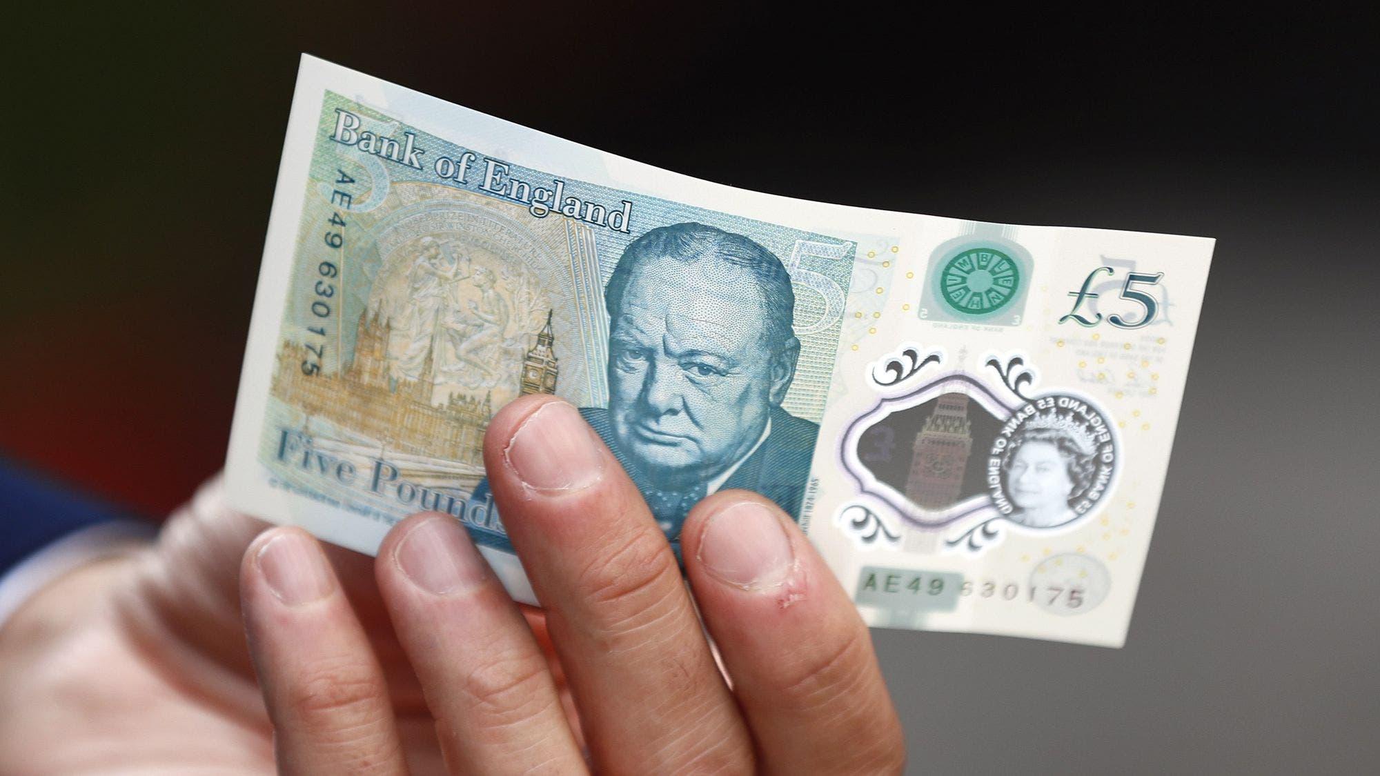 Veganos británicos piden sacar de circulación el nuevo billete de 5 libras