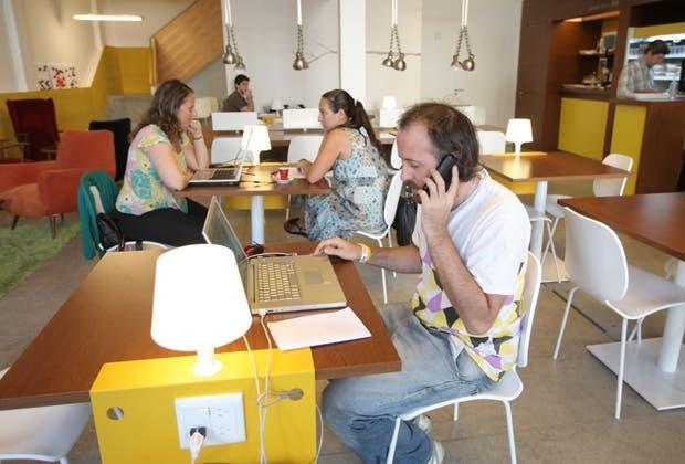 La era del coworking las oficinas para teletrabajo 18 for Oficina coworking