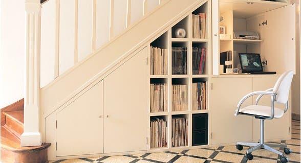 simpleureal que poner en el espacio bajo la escalera comn espacio living