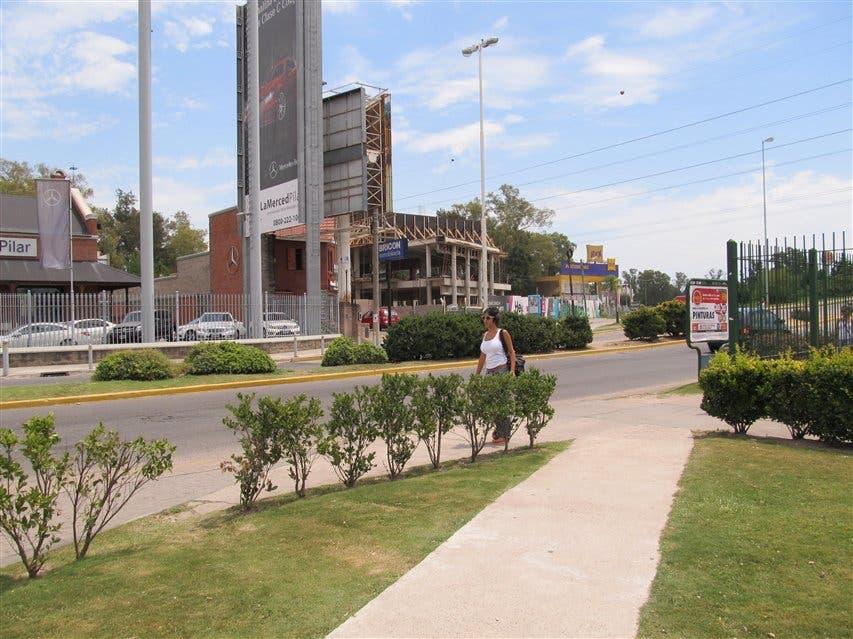 Otro hotel en pilar la nacion for Hotel familiar en pilar
