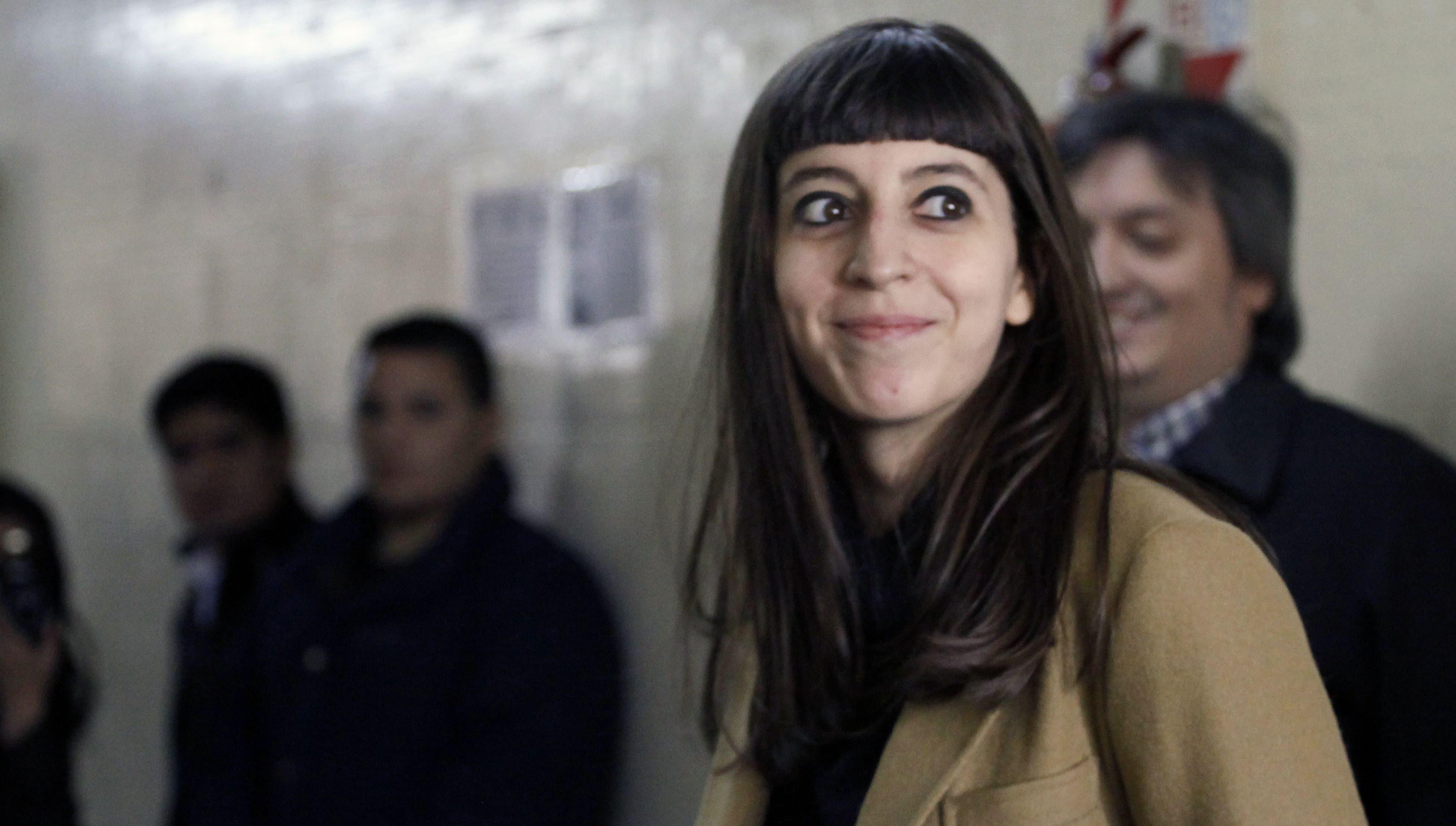 Florencia Kirchner Busca Que Le Levanten El Embargo Con